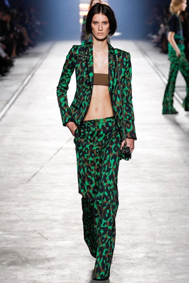 MILAN FASHION WEEK Versace Spring 2016. www.imageamplified.com, Image Amplified (13)