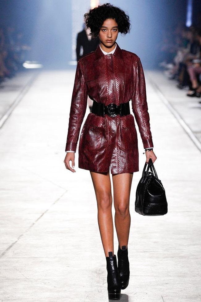 MILAN FASHION WEEK Versace Spring 2016. www.imageamplified.com, Image Amplified (23)