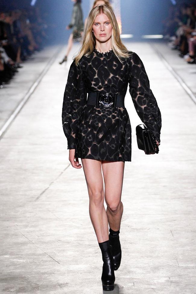 MILAN FASHION WEEK Versace Spring 2016. www.imageamplified.com, Image Amplified (28)