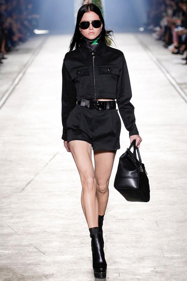MILAN FASHION WEEK Versace Spring 2016. www.imageamplified.com, Image Amplified (30)