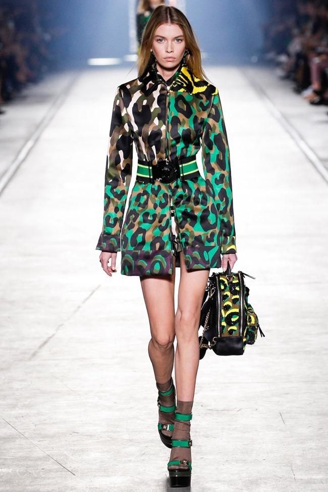 MILAN FASHION WEEK Versace Spring 2016. www.imageamplified.com, Image Amplified (31)