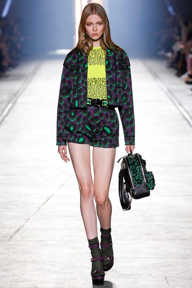 MILAN FASHION WEEK Versace Spring 2016. www.imageamplified.com, Image Amplified (33)
