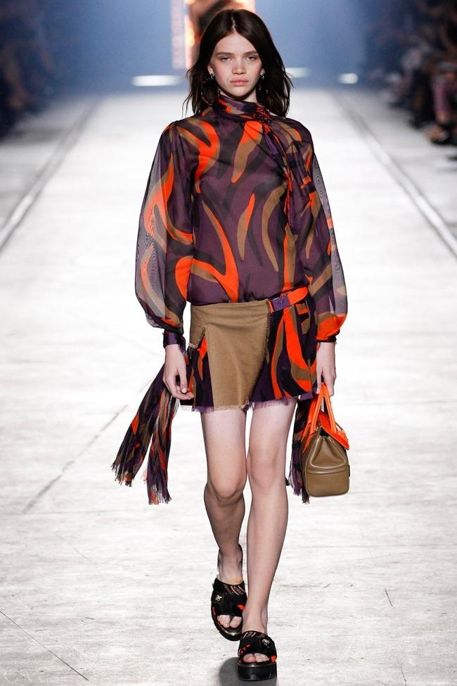 MILAN FASHION WEEK Versace Spring 2016. www.imageamplified.com, Image Amplified (39)