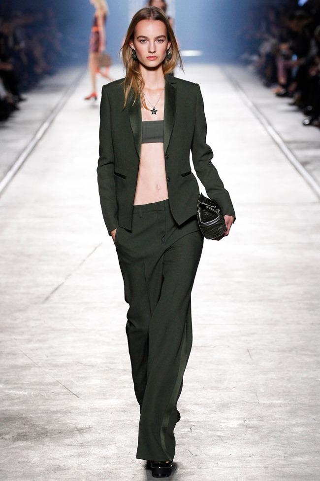 MILAN FASHION WEEK Versace Spring 2016. www.imageamplified.com, Image Amplified (43)