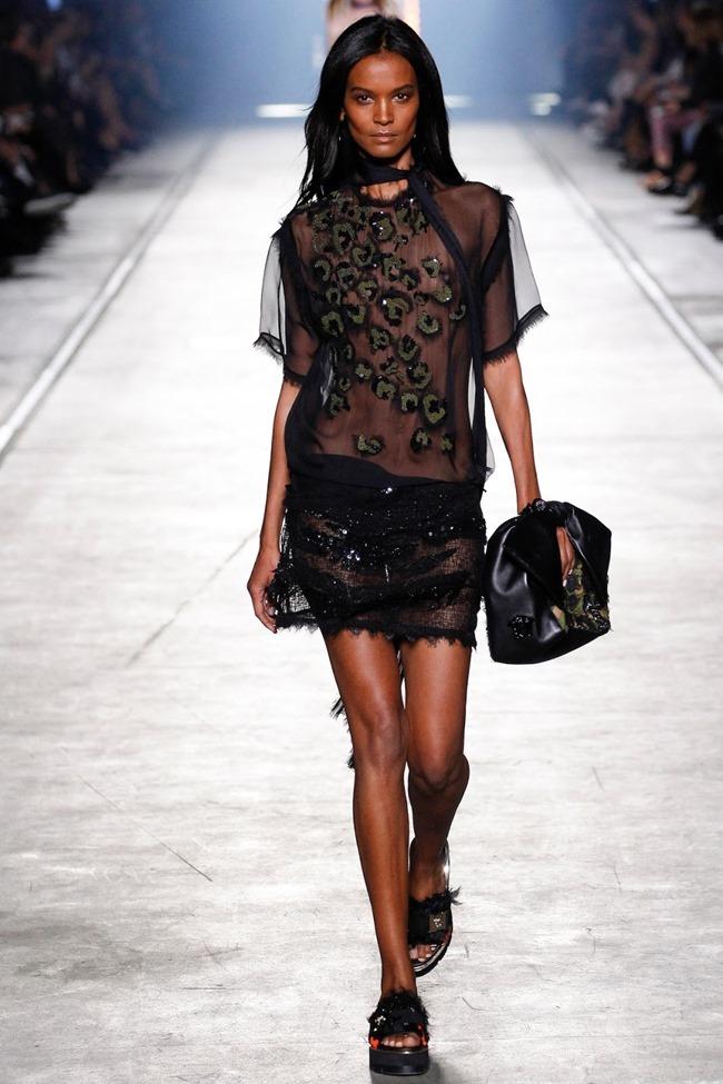 MILAN FASHION WEEK Versace Spring 2016. www.imageamplified.com, Image Amplified (50)