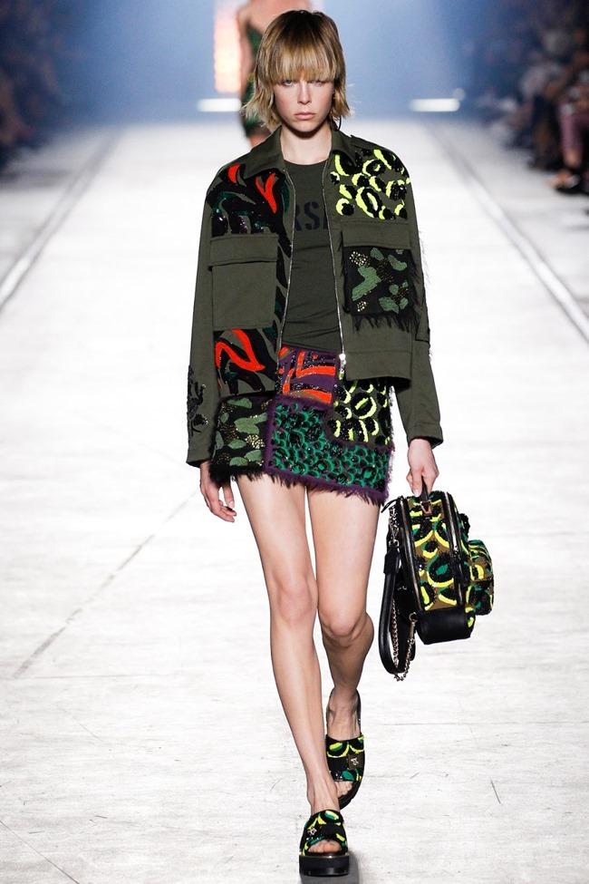 MILAN FASHION WEEK Versace Spring 2016. www.imageamplified.com, Image Amplified (52)