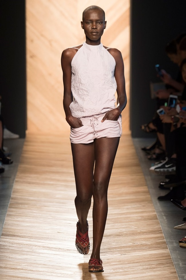 MILAN FASHION WEEK Bottega Veneta Spring 2016. www.imageamplifi ed.com, Image Amplified (49)