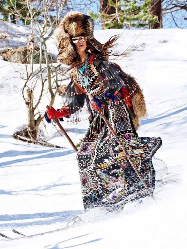 VOGUE JAPAN Sacred Tribes of Mont Cervin by Giampaolo Sgura. Anna Dello Russo, Miguel Arnau, November 2015, www.imageamplified.com, Image Amplified (3)