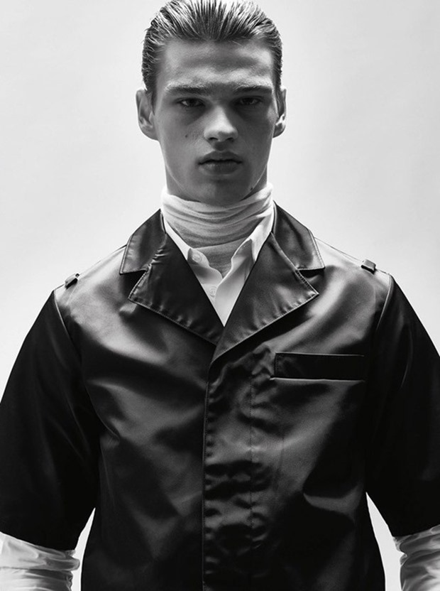 HERCULES UNIVERSAL Filip Hrivnak by Philippe Vogelenzang. Darcy Backlar, Fall 2015, www.imageamplified.com, Image Amplified (5)