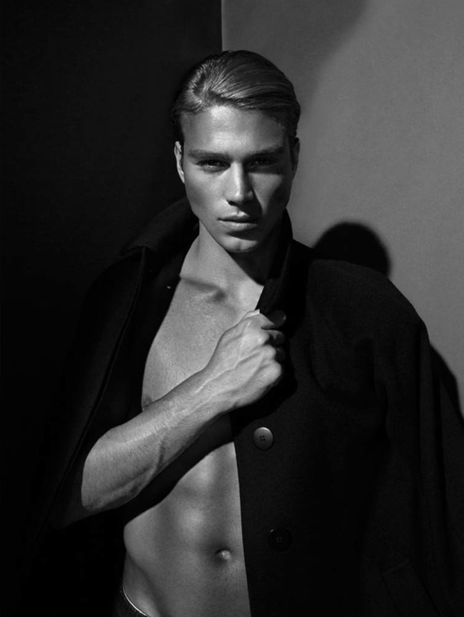 L'OFFICIEL HOMMES SINGAPORE Matthew Noszka by F&G. www.imageamplified.com, image Amplified (3)