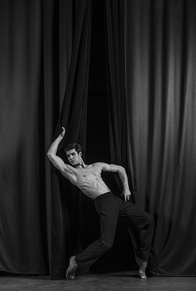 MASCULINE DOSAGE Roberto Bolle by Julien Benhamou. www.imageamplified.com, image Amplified (5)