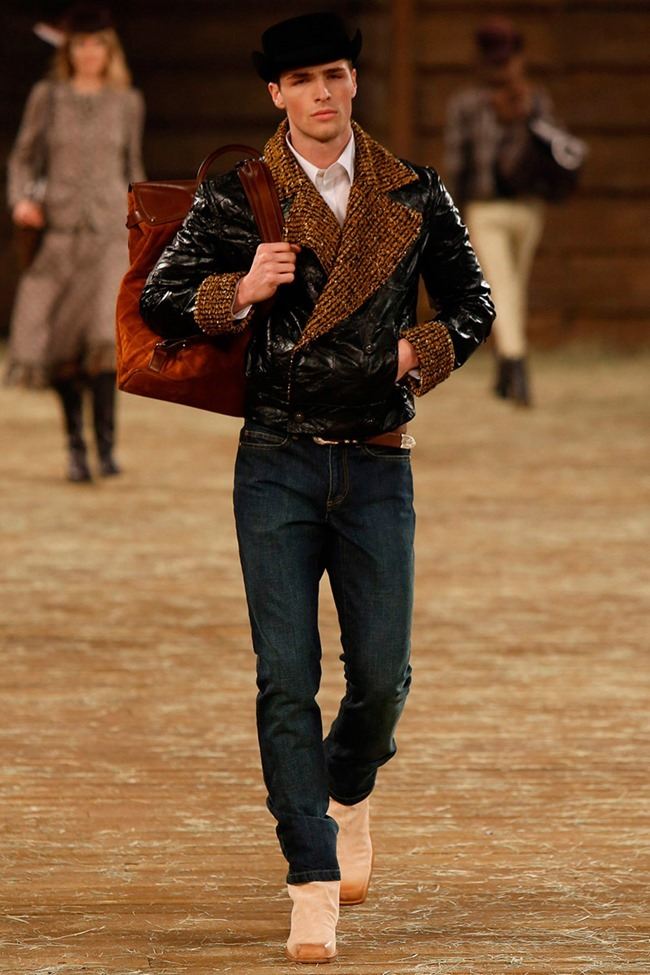 COLLECTION Chanel Metiers d'art Pre-Fall 2015. www.imageamplified.com, Image Amplified (1)