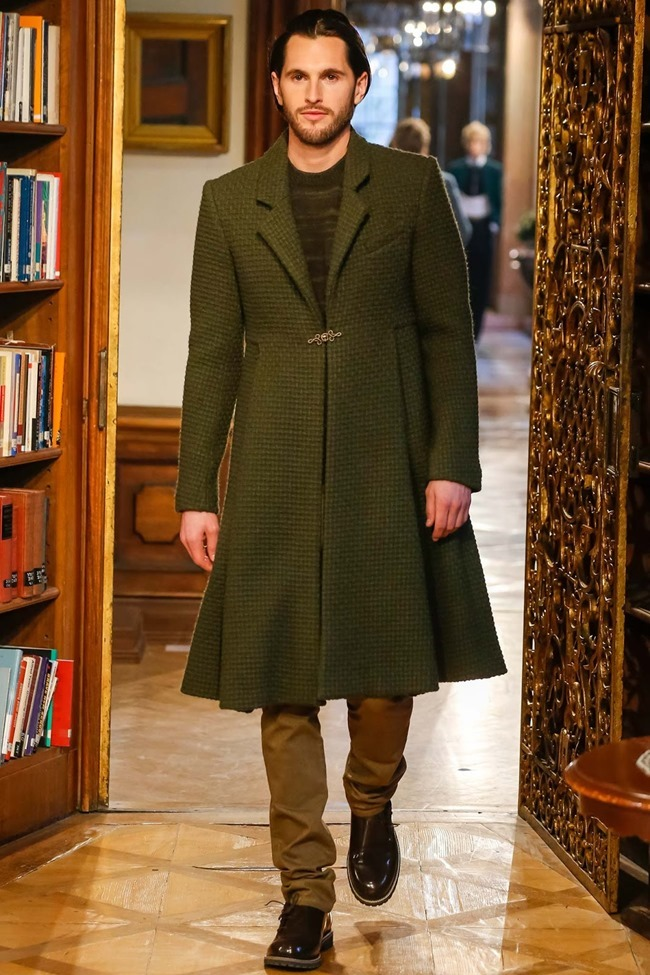 COLLECTION Chanel Pre-Fall 2015. www.imageamplified.com, Image Amplified (19)