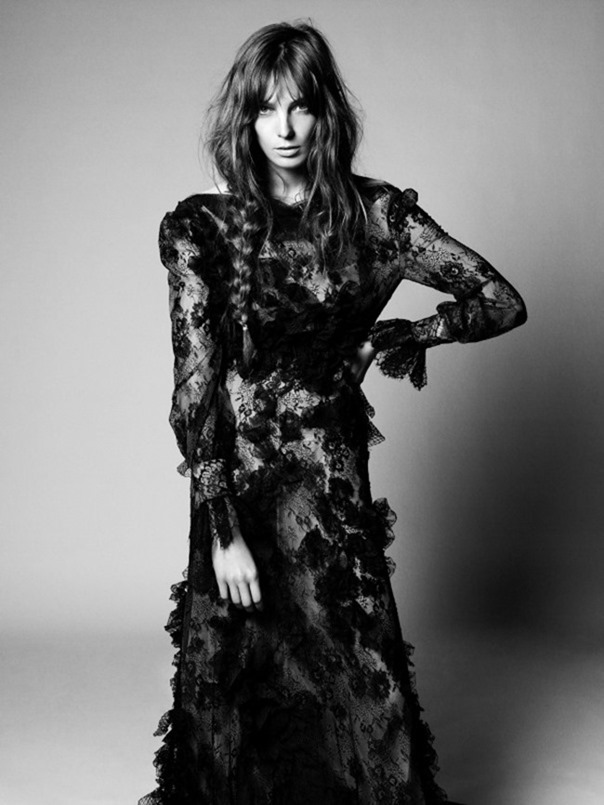 STYLE REWIND L'hiver Avant L'hiver for Vogue Paris, August 2010 by David Sims. Carine Roitfeld, www.imageamplified.com, Image Amplified (16)
