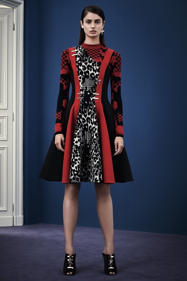 COLLECTION Versace Pre-Fall 2015. www.imageamplified.com, Image Amplified (22)