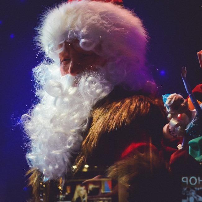 CHRISTMAS IN LONDON Harrods Windows by Troy Wise. Winter 2014, www.imageamplified.com, Image Amplified (4)