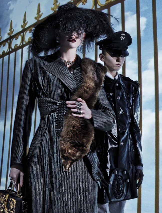 VOGUE ITALIA Lara Stone, Molly Bair & Tyson Ballou by Steven Klein. Patti Wilson, January 2015, www.imageamplified.com, Image Amplified (16)