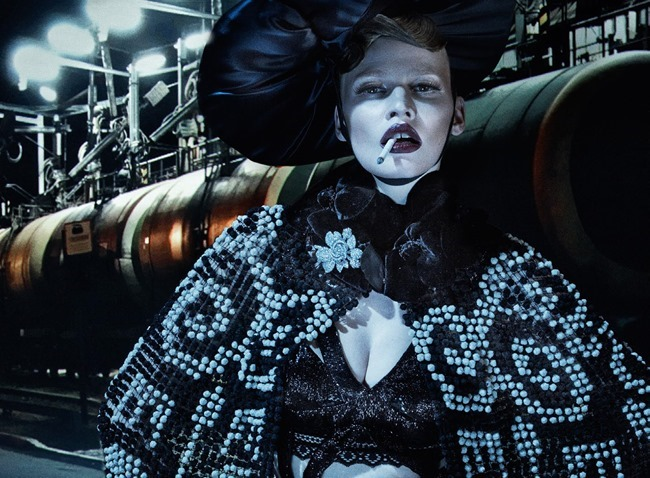 VOGUE ITALIA Lara Stone, Molly Bair & Tyson Ballou by Steven Klein. Patti Wilson, January 2015, www.imageamplified.com, Image Amplified (2)