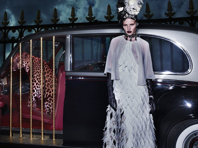 VOGUE ITALIA Lara Stone, Molly Bair & Tyson Ballou by Steven Klein. Patti Wilson, January 2015, www.imageamplified.com, Image Amplified (5)