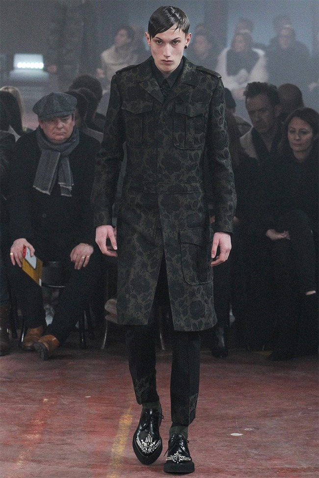 LONDON COLLECTIONS MEN Alexander McQueen Fall 2015. www.imageamplified.com, Image Amplified (12)
