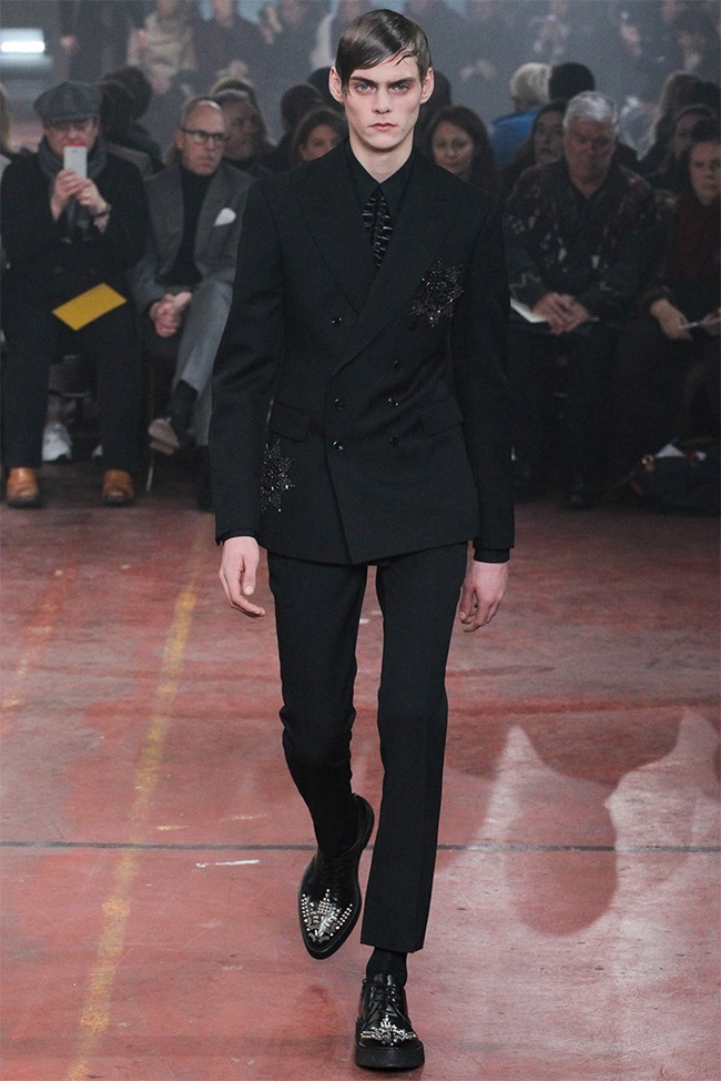 LONDON COLLECTIONS MEN Alexander McQueen Fall 2015. www.imageamplified.com, Image Amplified (28)
