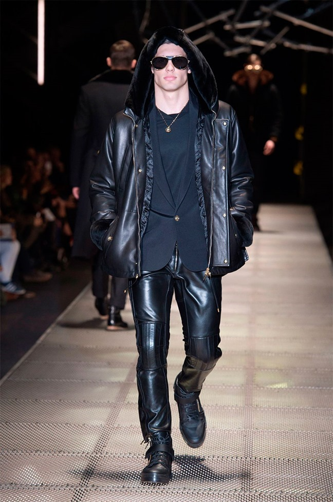 MILAN FASHION WEEK Versace Fall 2015. www.imageamplified.com, Image Amplified (13)