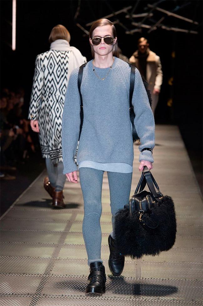 MILAN FASHION WEEK Versace Fall 2015. www.imageamplified.com, Image Amplified (18)