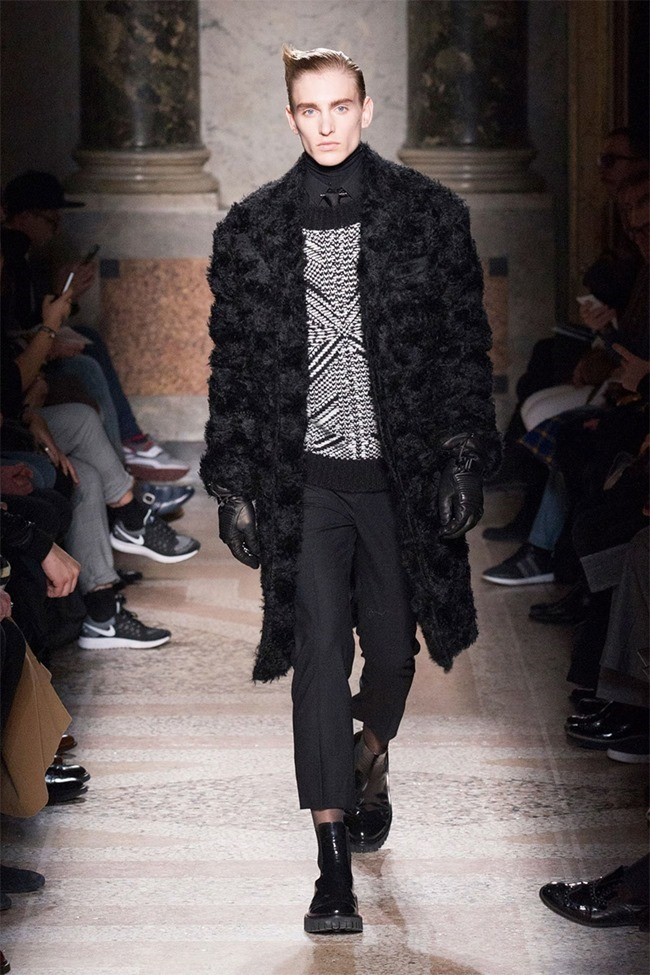 MILAN FASHION WEEK Les Hommes Fall 2015. www.imageamplified.com, Image Amplified (23)