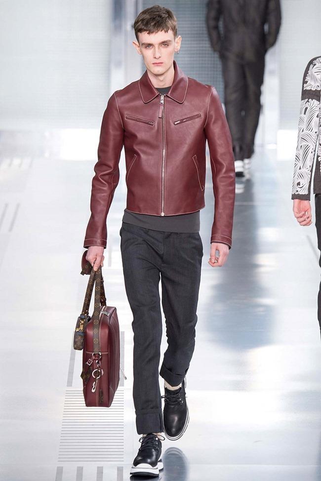 PARIS FASHION WEEK Louis Vuitton Fall 2015. www.imageamplified.com, Image Amplified (27)