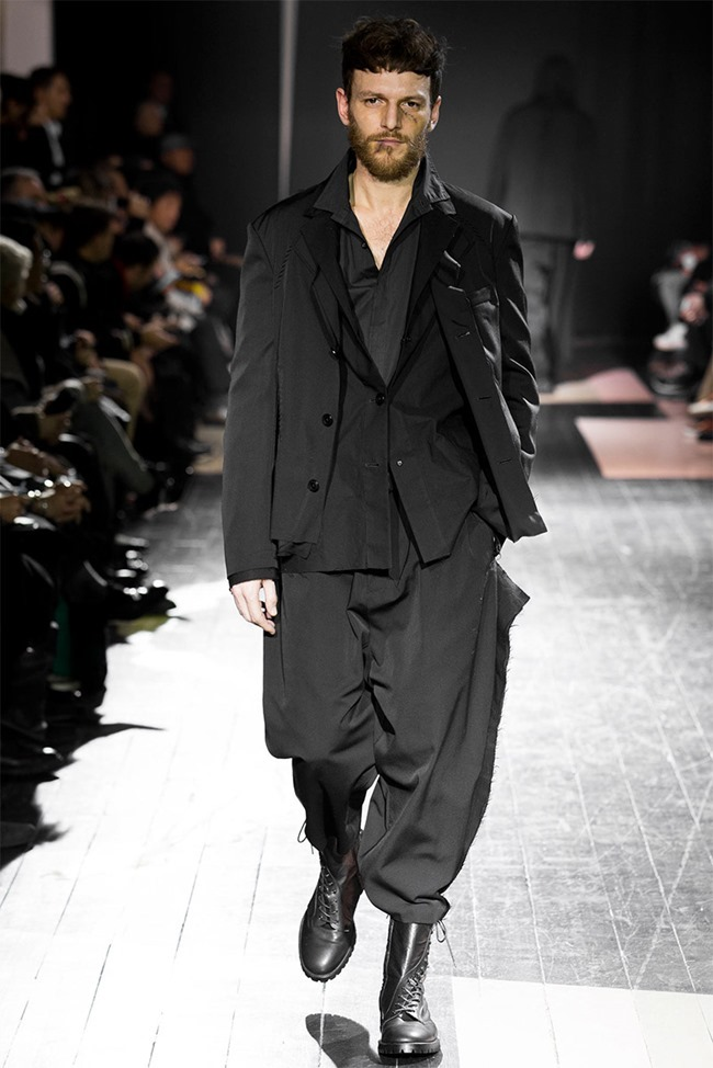 PARIS FASHION WEEK Yohji Yamamoto Fall 2015. www.imageamplified.com, Image Amplified (3)