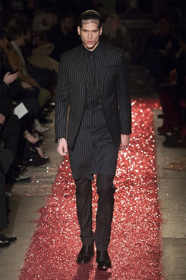 PARIS FASHION WEEK Givenchy Fall 2015. www.imageamplified.com, Image amplified (8)