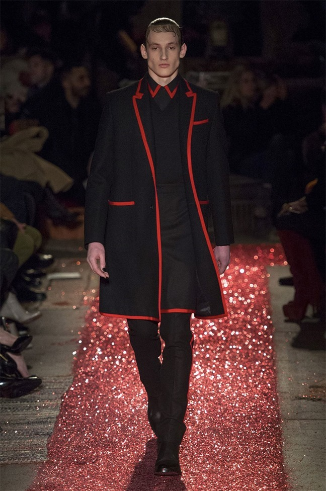 PARIS FASHION WEEK Givenchy Fall 2015. www.imageamplified.com, Image amplified (19)