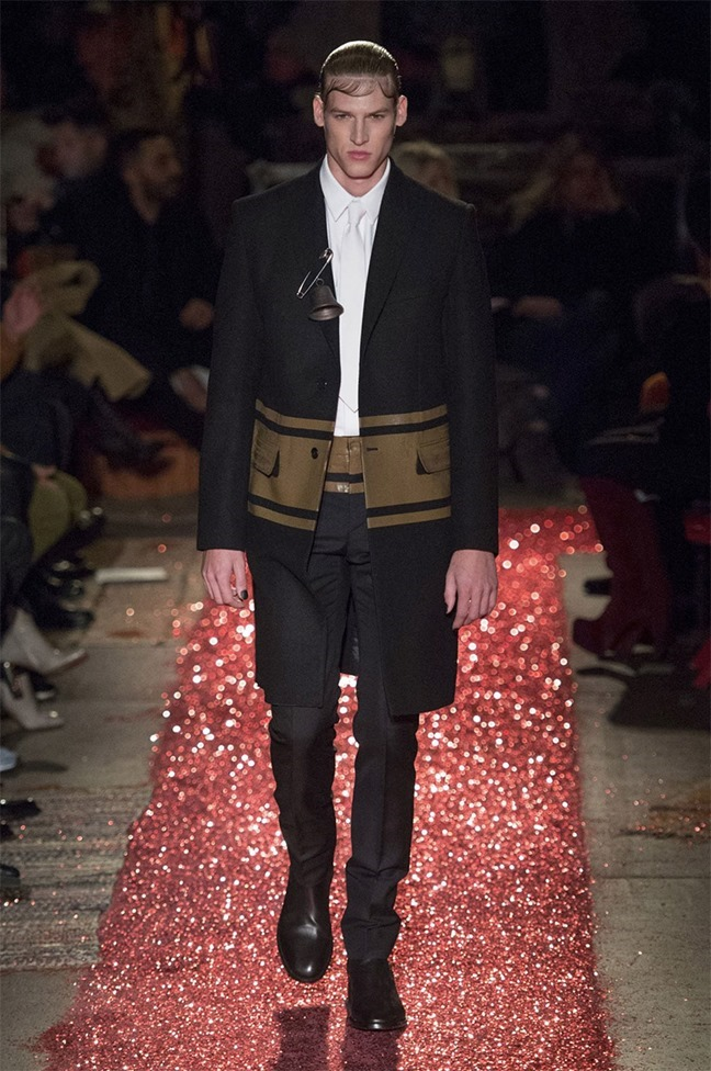 PARIS FASHION WEEK Givenchy Fall 2015. www.imageamplified.com, Image amplified (40)
