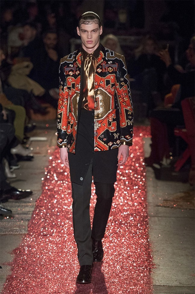 PARIS FASHION WEEK Givenchy Fall 2015. www.imageamplified.com, Image amplified (50)