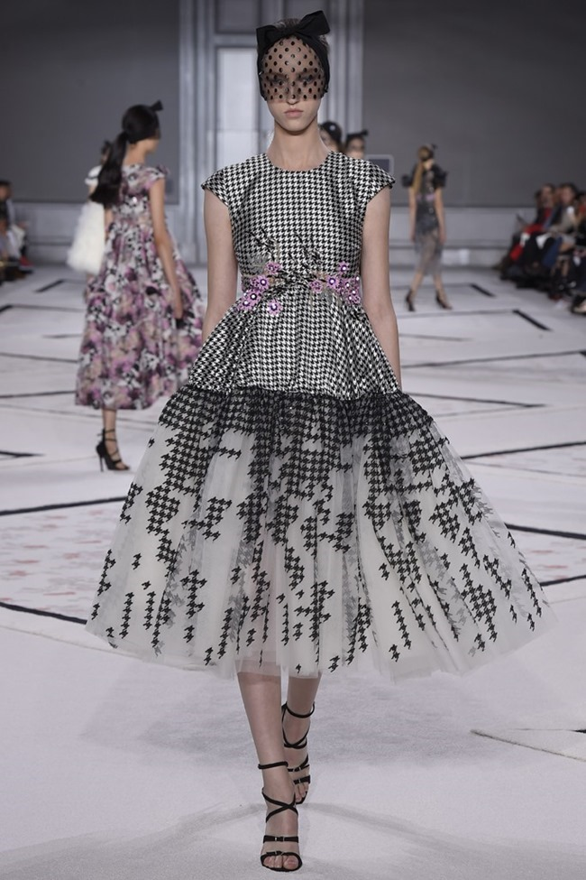 PARIS HAUTE COUTURE Giambattista Valli Couture Spring 2015. www.imageamplified.com, Image Amplified (12)