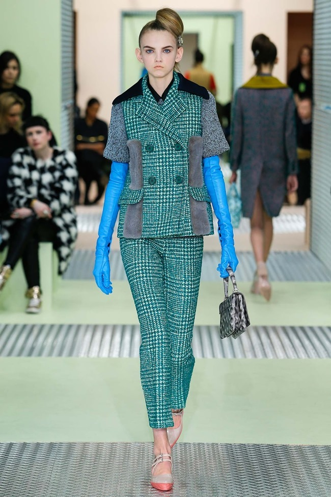 MILAN FASHION WEEK Prada Fall 2015. www.imageamplified.com, Image Amplified (9)