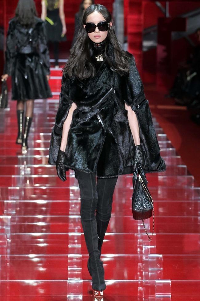 MILAN FASHION WEEK Versace Fall 2015. www.imageamplified.com, Image Amplified (35)