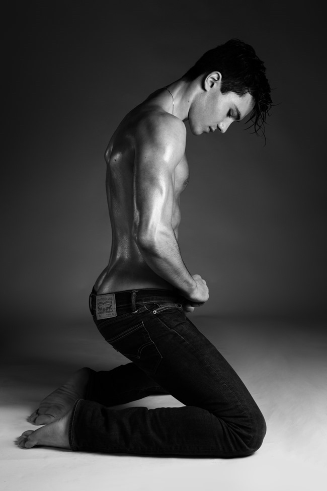 MASCULINE DOSAGE Enzo Carini by Alexandre Eustache. Spring 2015, www.imageamplified.com, Image Amplified (6)