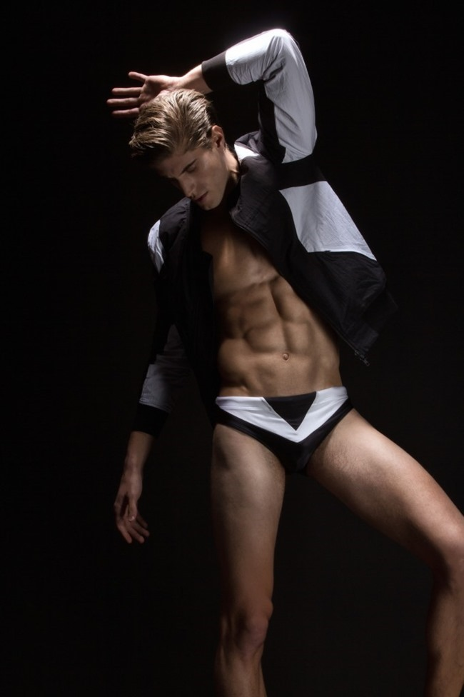 HUF MAGAZINE Santiago Ferrari by Lagaret. Mike Stallings, spring 2015, www.imageamplified.com, Image Amplified (4)