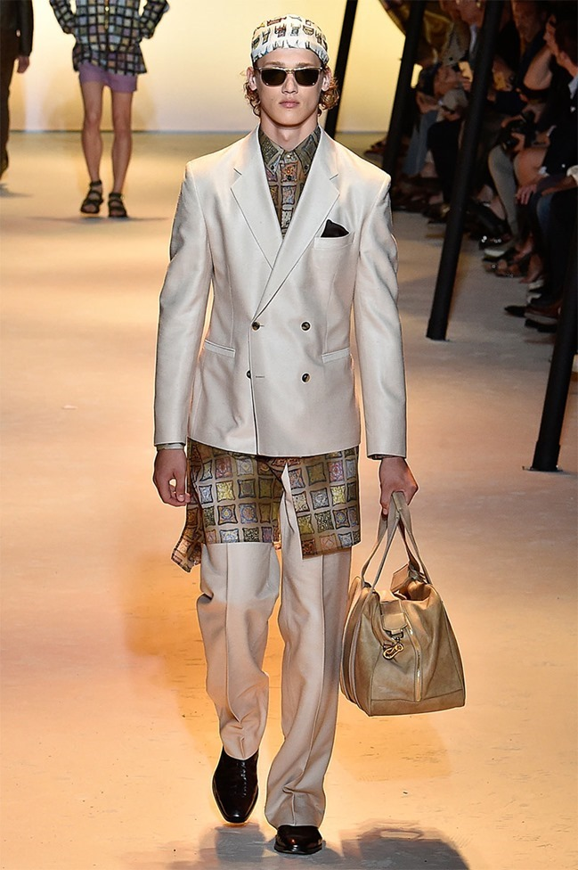 MILAN FASHION WEEK Versace Spring 2016. www.imageamplified.com, Image Amplified (10)