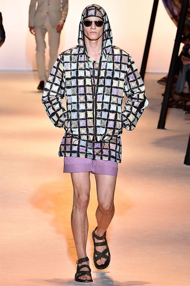 MILAN FASHION WEEK Versace Spring 2016. www.imageamplified.com, Image Amplified (11)