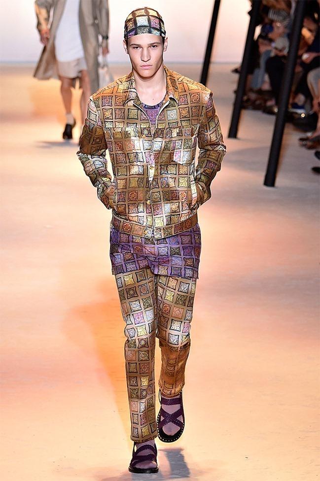 MILAN FASHION WEEK Versace Spring 2016. www.imageamplified.com, Image Amplified (14)