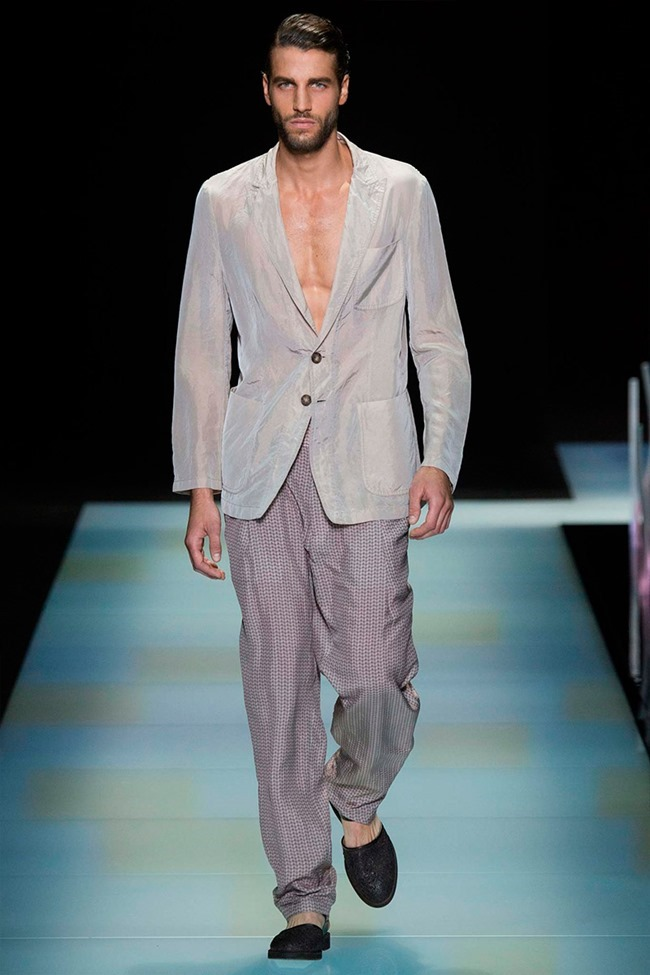 MILAN FASHION WEEK Giorgio Armani Spring 2016. www.imageamplified.com, Image Amplified (15)