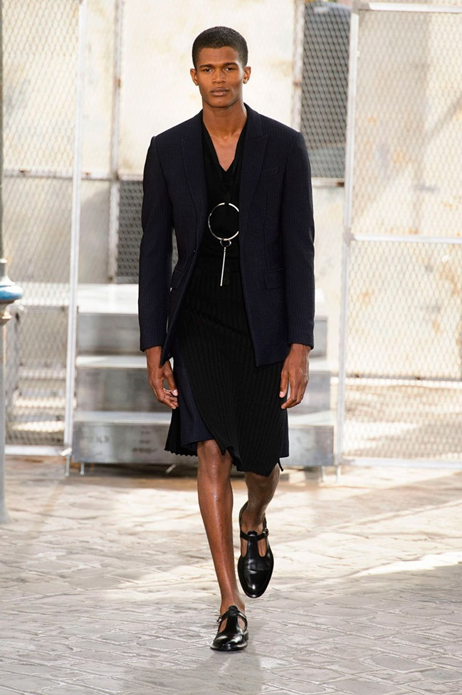 PARIS FASHION WEEK Givenchy Spring 2016. www.imageamplified.com, Image Amplified (1)