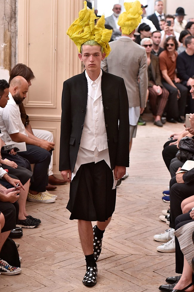 PARIS FASHION WEEK Comme des Garcons Spring 2016. www.imageamplified.com, Image Amplified (21)