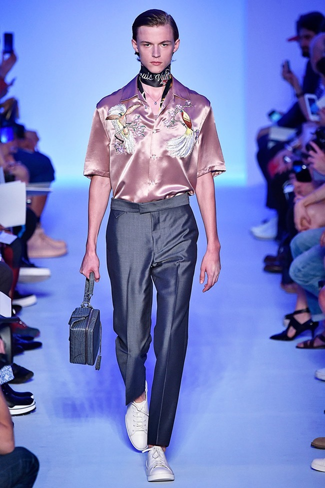 PARIS FASHION WEEK Louis Vuitton Spring 2016. www.imageamplified.com, Image Amplified (36)