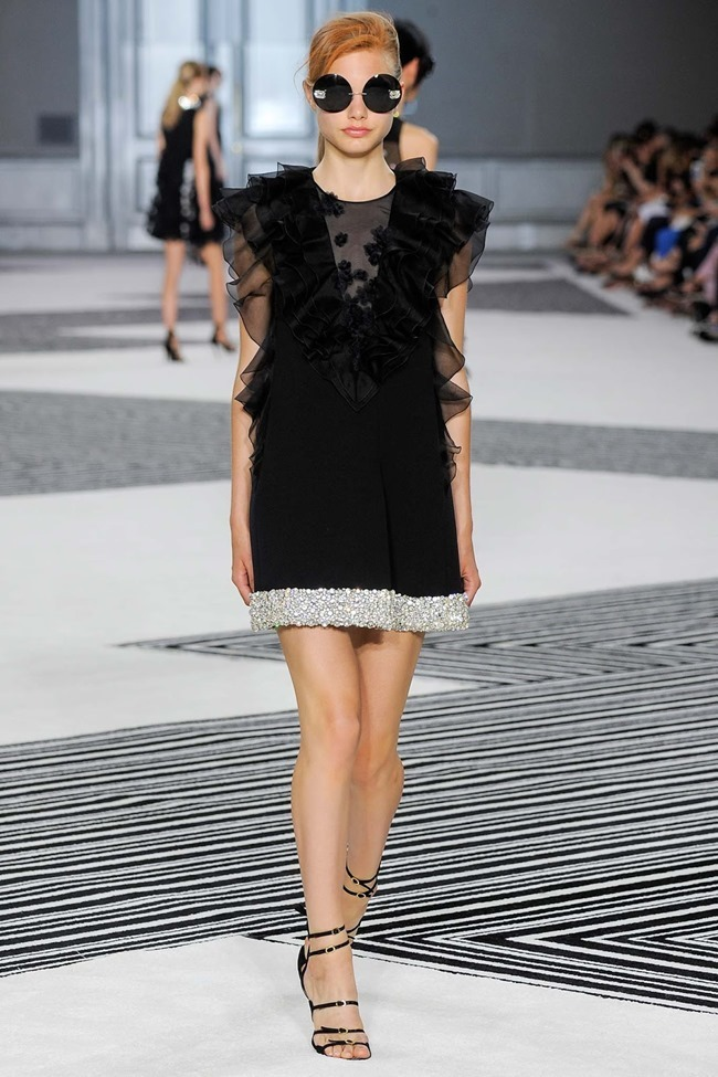 PARIS HAUTE COUTURE Giambattista Valli Fall 2015. www.imageamplified.com, Image Amplified (9)