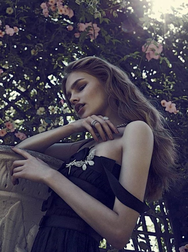 VOGUE RUSSIA Aneta Pajak by Emma Tempest. Margherita Moro, August 2015, www.imageamplified.com, Image Amplified (3)