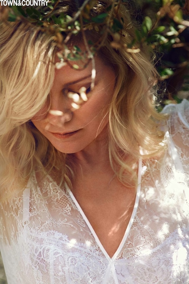 TOWN & COUNTRY Kristen Dunst by Cedric Buchet. September 2015, www.imageamplified.com, Image Amplified (3)