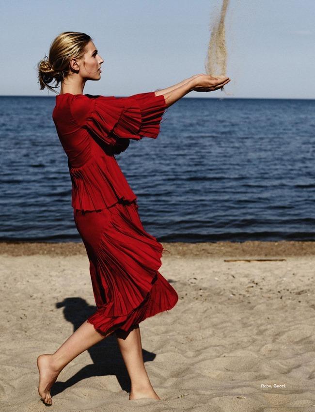 GLAMOUR FRANCE Karlina Caune by Stefan Heinrichs. Virginie Benarroch, October 2015, www.imageamplified.com, Image Amplified (7)